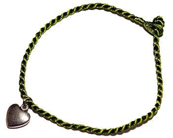 Grönt armband online. Längd cirka 16-17 cm.
