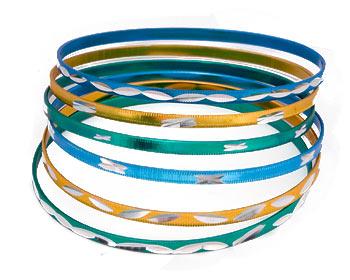 Armband för tjejer. 6 stycken armband med omkrets cirka 21 cm.