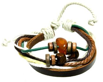 Armband online med trådar, läder och utsmyckningar.