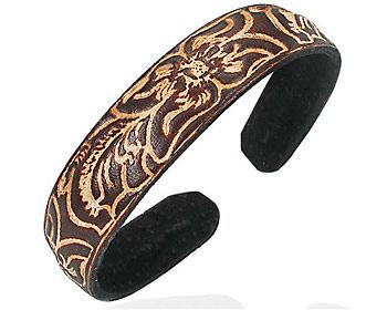 Armband för kille. Armbandet är i läder.
