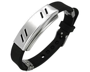 Armband i gummi och stål.