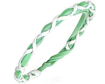 Grönt knytarmband.
