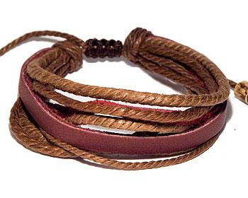 Billigt armband i läder.