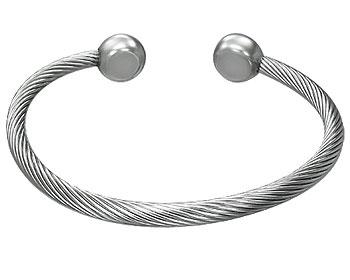 Armband i stål online. Diameter cirka 6,5 cm.
