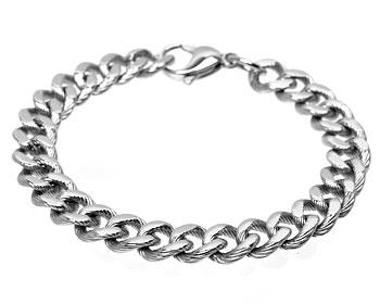 Armband med länkar i stål. Bredd cirka 10 mm.