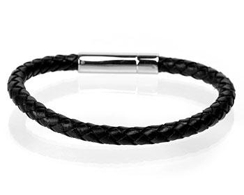 Flätat armband i stål.
