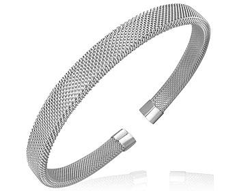 Armband i stål på nätet. Bredd cirka 7 mm.