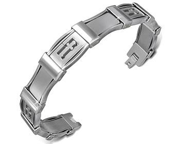 Armband med kors i stål.