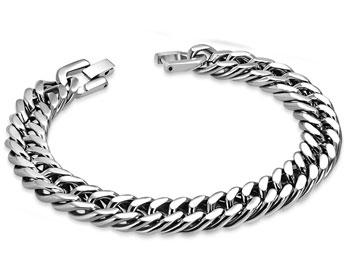Brett armband in stål.