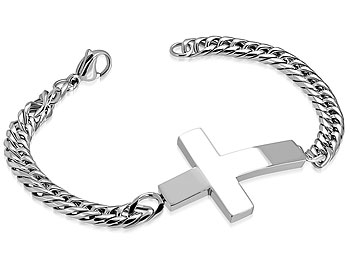 Armband med kors. Korsstorlek cirka 26x38 mm. Längd cirka 20,5 cm.