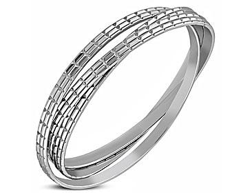 Armband i stål. Armbandet består av tre stycken ihopsatta armband med respektive bredd på cirka 4,5 mm. Omkretsen är cirka 21 cm.