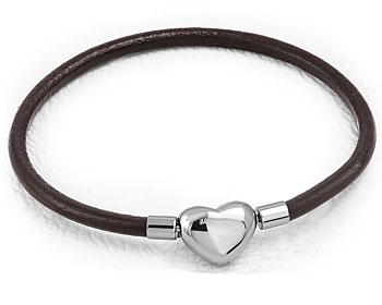 Sött armband med hjärta. Läder. Längd cirka 18 cm.