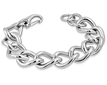 Enormt grovt armband i stål. Mått cirka 22 cm x 2 cm.