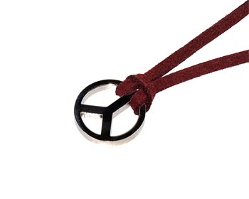 Fredsmärke-halsband.