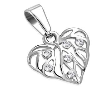Fint hjärtsmycke i stål. Mått cirka 14 x 16 mm.