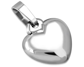 Hjärtsmycke i stål. Mått cirka 16 x 15 mm.