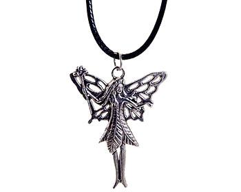 Halsbandsfe med svart rem från Atinmood. Fen är ca 4,5 x 4 cm stor.