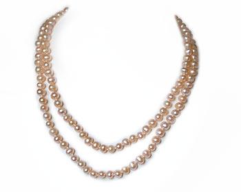 Mycket vackert pärlhalsband i rosa odlade sötvattenpärlor. Pärlstorlek ca 6mm.