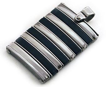 Halsband i kirurgiskt stål med kulkedja. Hänget ca 2x3cm.