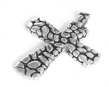 Stålhalsband gjort i kirurgiskt stål. Storlek ca 5x4,2cm. Kulkedja medföljer.