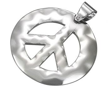 Fredshänge i stål. Diameter cirka 35 mm.