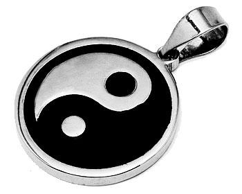 Yin-Yang. Diameter cirka 23 mm.