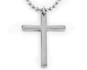 Halsband och kors i stål. Korsstorlek cirka 32x22 mm. Kulkedja medföljer.