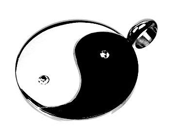 Yin-Yang smycke i stål. Diameter cirka  28 mm.
