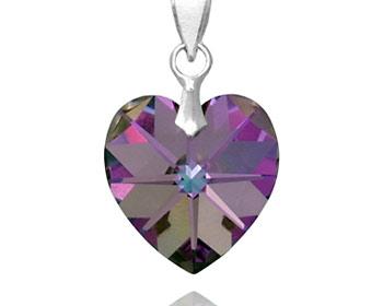 Hänge med ett hjärta gjort med swarovski kristall och silver. OBS! Utan kedja.