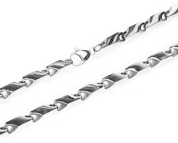 Grov halskedja i stål. Grovlek cirka 10 mm. Vikt cirka 180 gram.