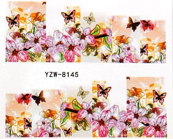 Nageldekaler med rosor och fjärilar.