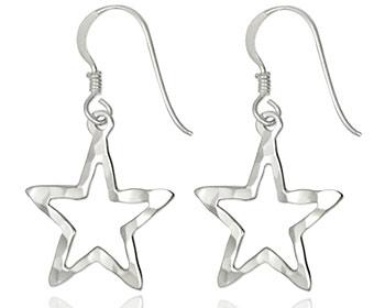 Silverörhängen gjorda i 925 hammrat silver.
