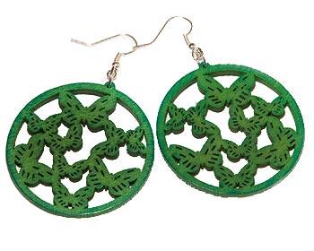 Billiga gröna örhängen. Omkrets cirka 4,5 cm.