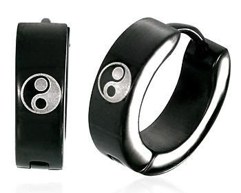 Örhängen yin och yang gjorda i kirurgiskt stål