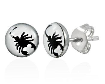 Stålörhängen med skorpioner.