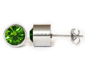 Gröna örhängen 8 mm i diamter och cirka 7 mm i höjd.