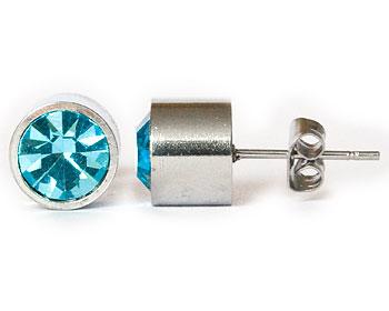 Ljusblåa örhängen 8 mm i diameter och cirka 7 mm i höjd.