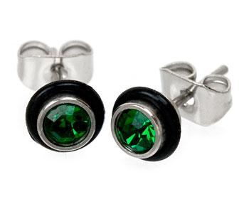 Gröna örhängen i stål.