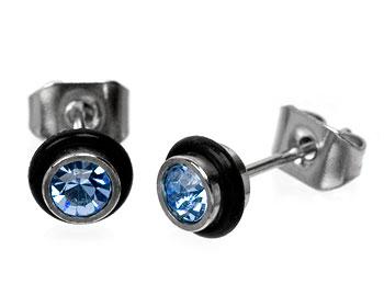 Ljusblåa örhängen.