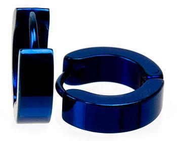 Blåa stålörhängen.