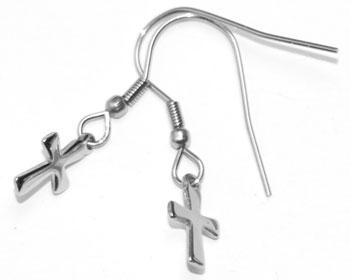 Stålörhängen med kors.