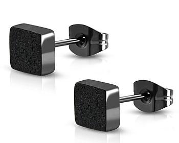 Svarta örhängen i stål.  4 mm.