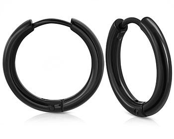 Svarta kreolörhängen i stål. Storlek cirka 21x2 mm.