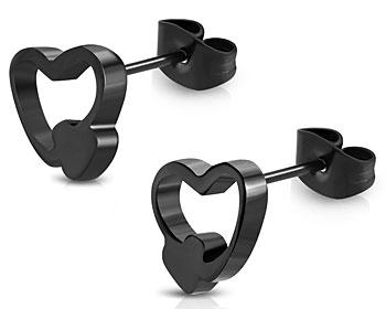 Svarta hjärtörhängen.