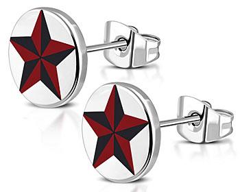 Stjärnörhängen med diametern cirka 8 mm.