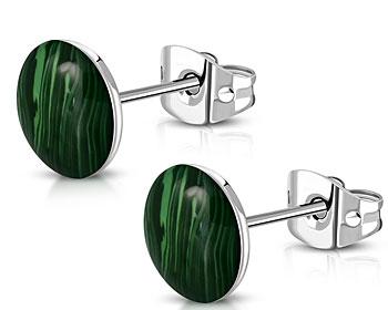 Runda gröna örhängen. 8 mm i diameter.
