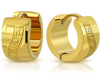 Guldfärgade stålörhängen. 13x7 mm.