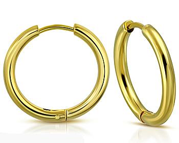Kreoler i guldfärgat stål. Mått cirka 21 x 2.5 mm.