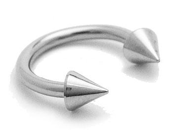 Hästsko till piercing. Diameter cirka 8 mm, tjocklek cirka 1,2 mm.