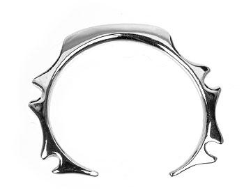 Piercingsmycke online 2 mm i tjocklek och cirka 16mm i diameter.